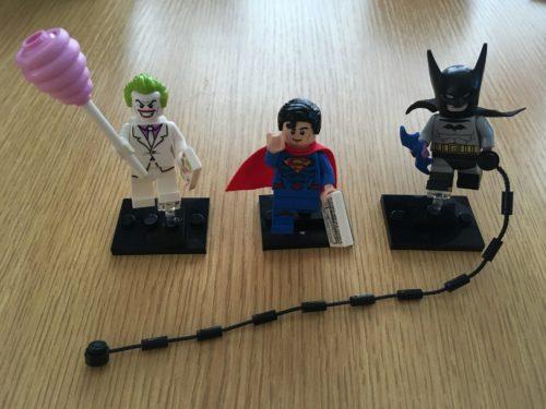 ジョーカー、スーパーマン、バットマンのミニフィグ